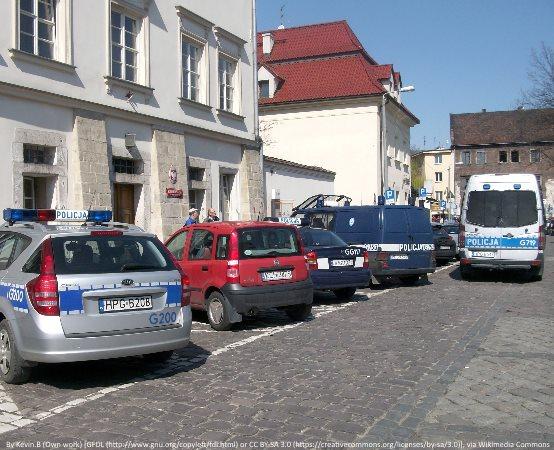 Policja Kędzierzyn Koźle: Warunki na drodze są zmienne, bądźmy ostrożni!